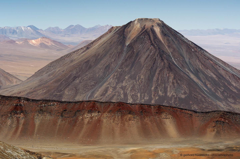 Atacama Desert landscape, volcanoes, lagoons and Altiplano ...