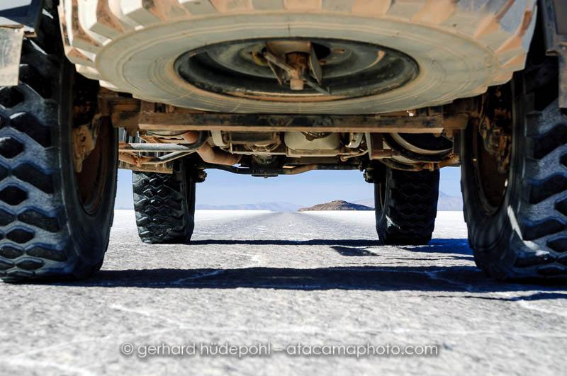 Crossing the Salar de Uyuni with a four wheel truck