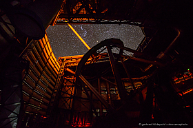 Inside the Very Large Telescope: The Laser Guide Star of Paranal telescope in operation