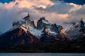 Dramatic early morning light, Cuernos del Paine