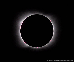 Total solar eclipse 2020 in Chile, prominences and corona