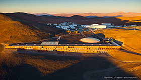 Aerial photo of the Paranal Residencia and basecamp maintenance installations