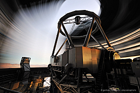 Paranal telescope at sunset, long exposure with dome rotating